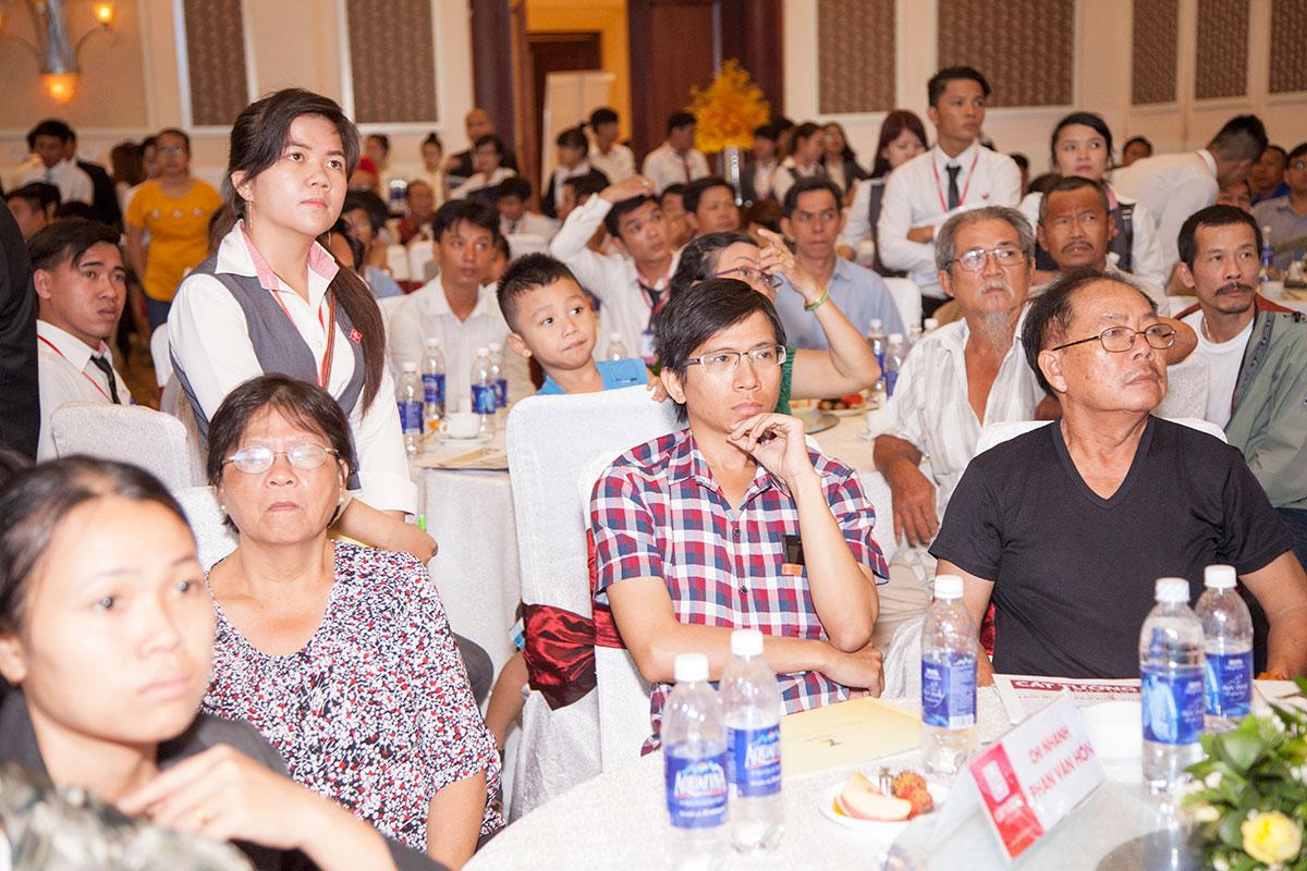 mo ban bloc thuong mai cat tuong phu nguyen (14)