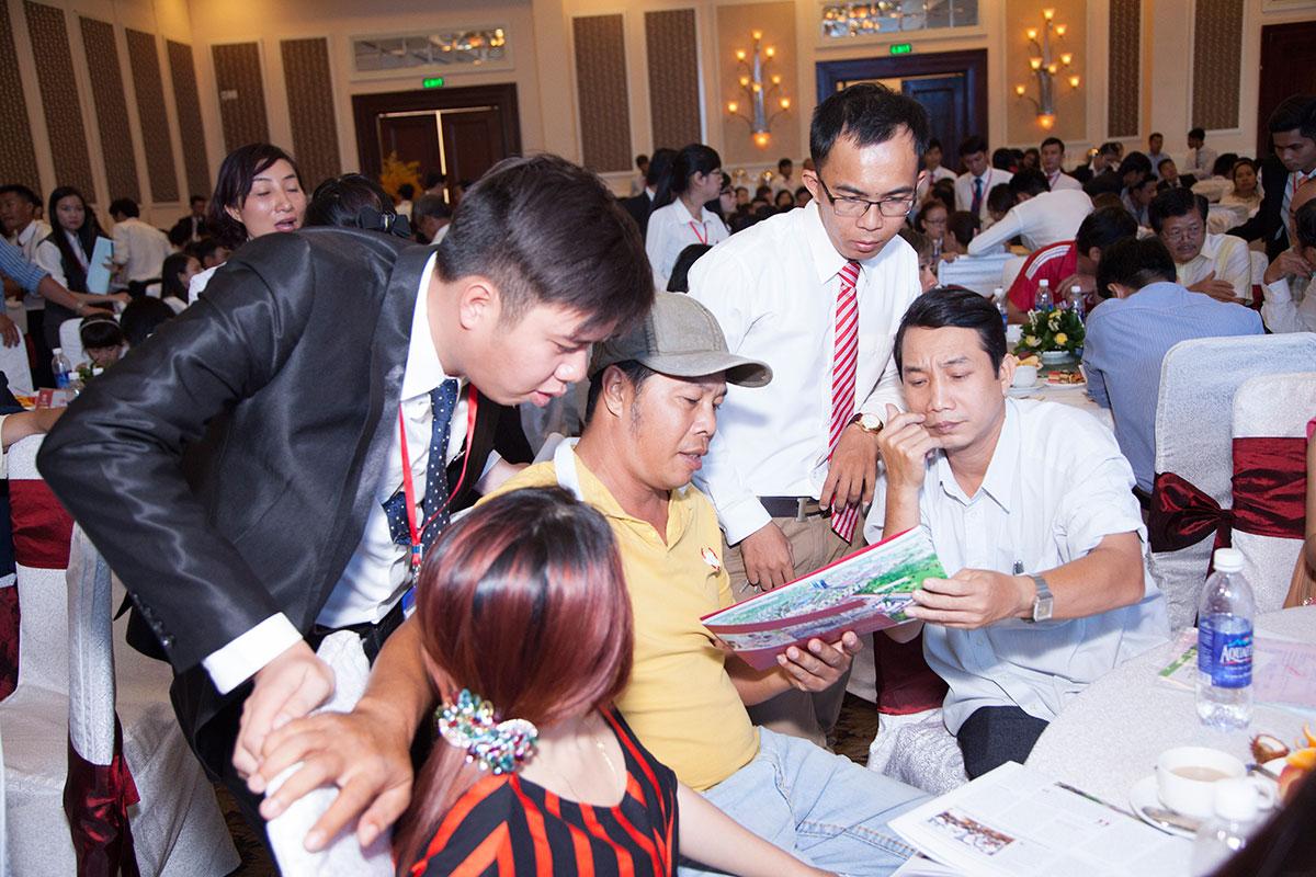 mo ban bloc thuong mai cat tuong phu nguyen (41)